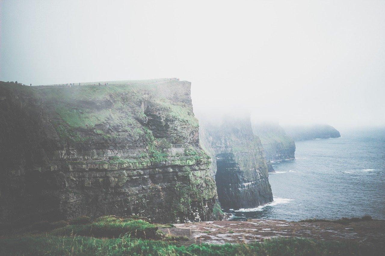 cliffs 2717750 1280 - Dit zijn de 25 mooiste plekken in Europa die je in 2020 écht moet bezoeken