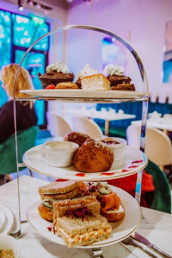 BeaAfternoonTea8 683x1024 - Dit zijn de beste plekken voor afternoon tea in Londen