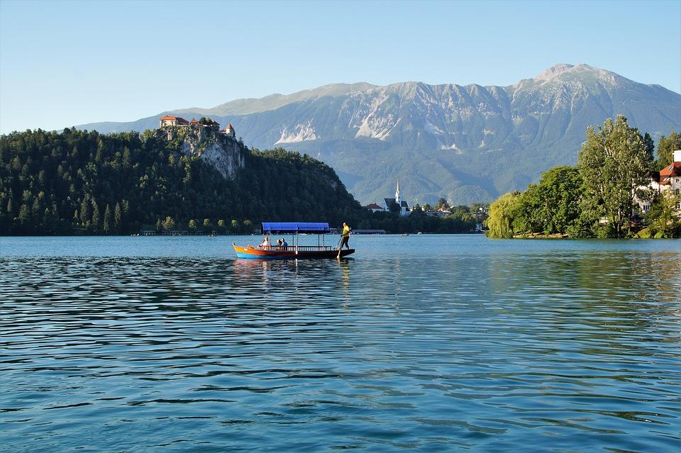 bled pixabay - De 15 mooiste plekken in Slovenië om te ontdekken voordat het massatoerisme komt!