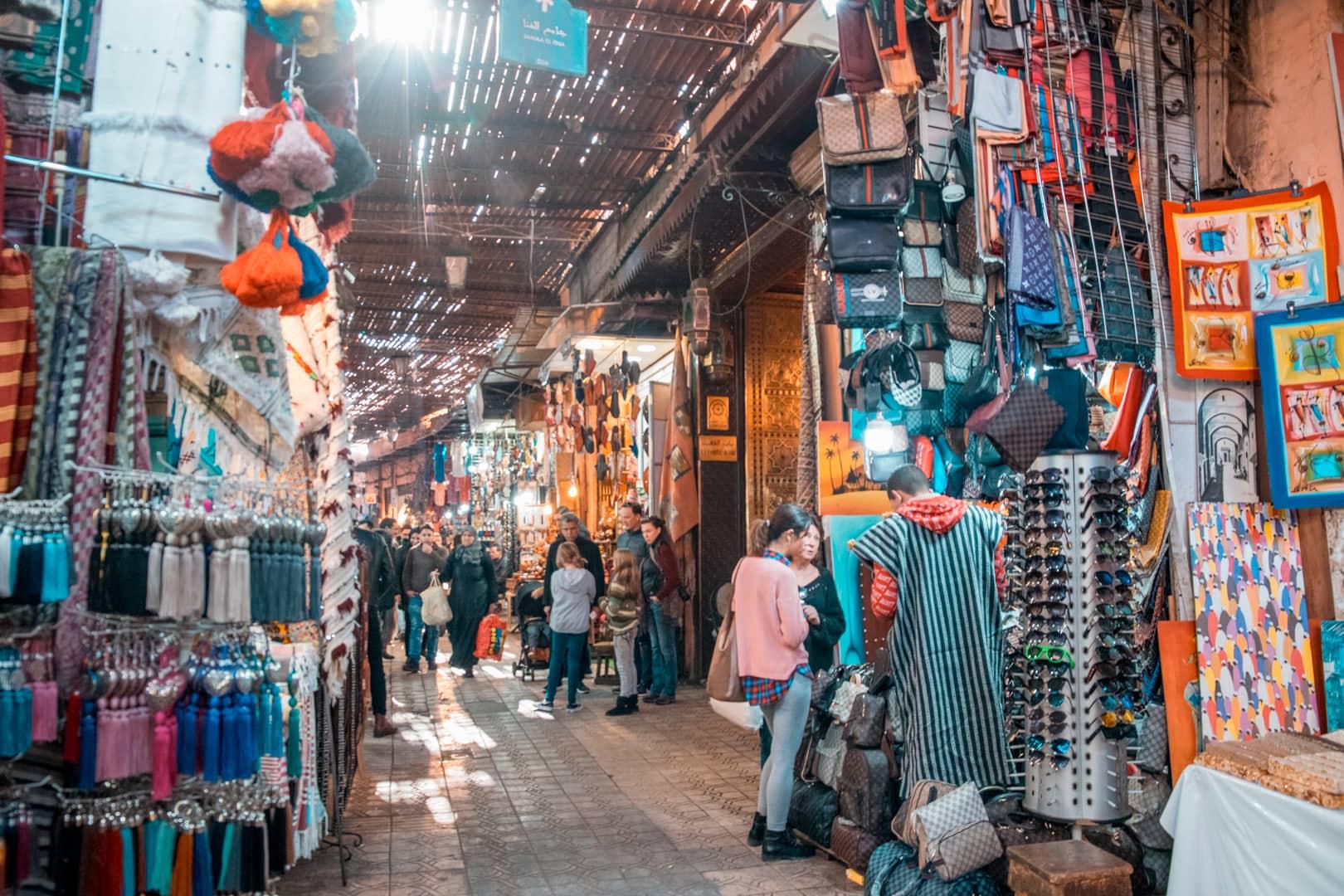 Marrakech Souks12 - Dit zijn de 10 beste bestemmingen voor vrouwen | Solo reis tips