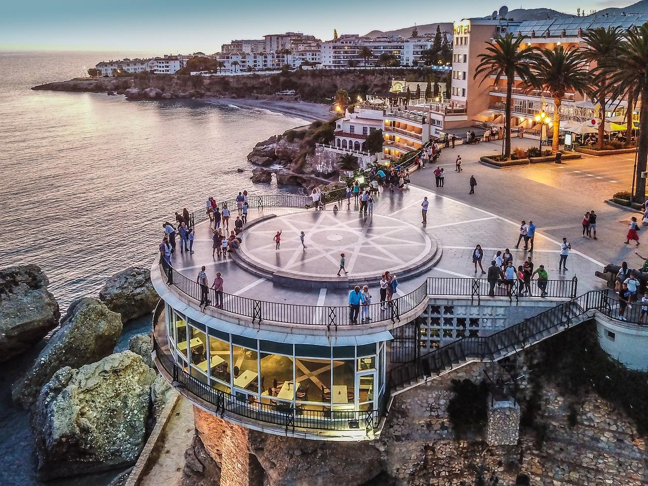 nerja pixabay - De 24 mooiste plekken in Andalusië: natuur, dorpjes & steden