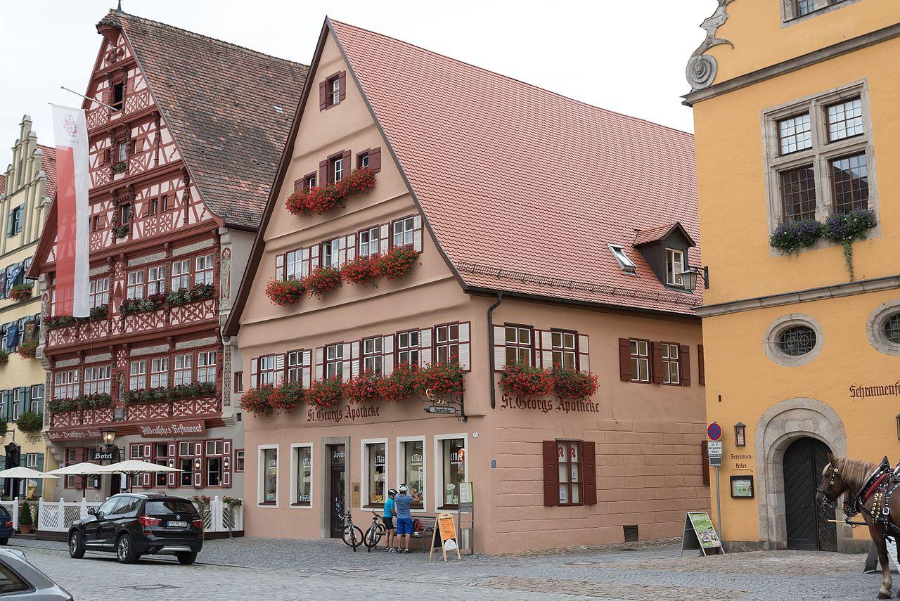 Dinkelsbühl Weinmarkt 5 20160820 001 - Dit zijn de 12 leukste dorpjes en kleine stadjes in Duitsland om te bezoeken!